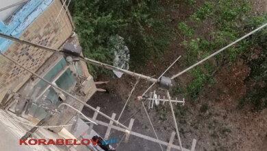 Мужчина разбился насмерть, упав с третьего этажа в Корабельном районе   Корабелов.ИНФО image 1
