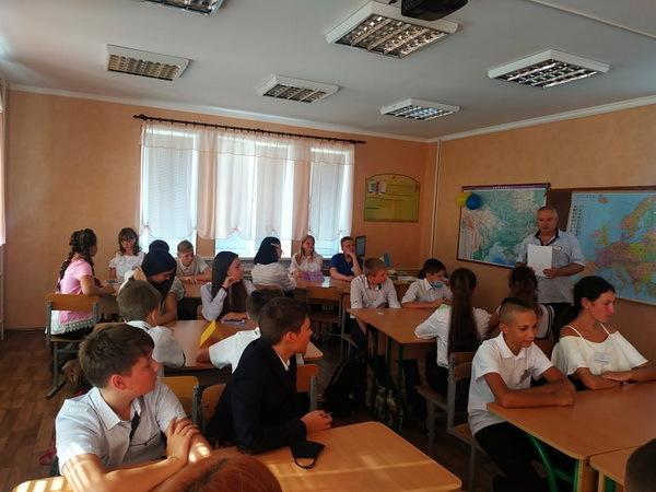 Родители - за забором... Самый необычный День знаний в школах Корабельного (Фото) | Корабелов.ИНФО image 17