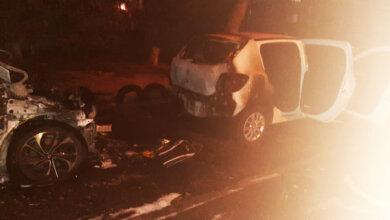 Photo of Ночью в Николаеве подожгли два автомобиля