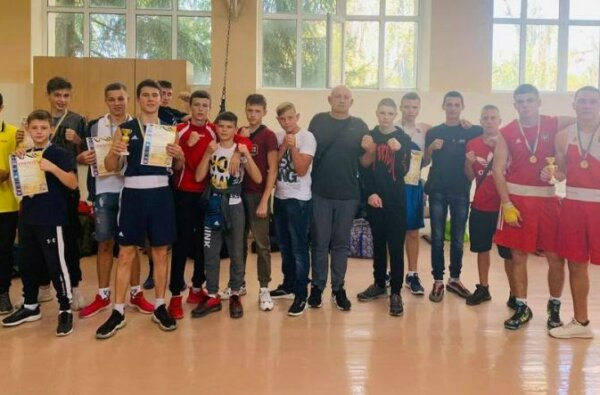 юные боксеры из Корабельного района, тренер Бакалец