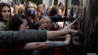 Photo of Протесты в Беларуси: в Минск стягивают военную технику
