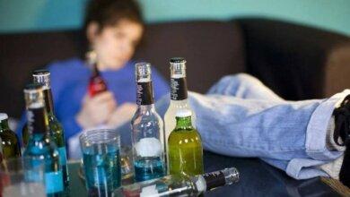 Photo of В Николаеве пьяная мать сломала девочке-инвалиду палец
