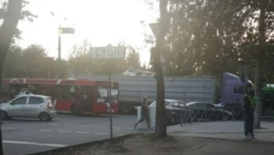 В Корабельном районе зерновоз столкнулся с пассажирским автобусом (Видео) | Корабелов.ИНФО