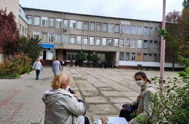 школа №48 (в ней расположены 4 избирательных участка)