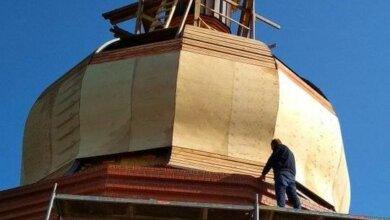 Photo of На месте бывшего памятника Ленину: в Корабельном районе установили 16-тонный купол на новый храм