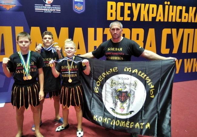Юные николаевцы завоевали 30 медалей Всеукраинской Брилиантовой супер-серии по Кикбоксингу WKA | Корабелов.ИНФО image 4