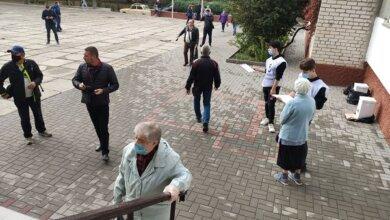 В Корабельном районе «Слуги народа» зафиксировали подвоз избирателей | Корабелов.ИНФО
