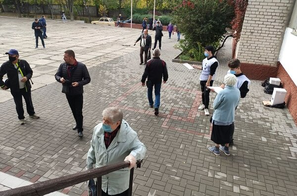В Корабельном районе «Слуги народа» зафиксировали подвоз избирателей   Корабелов.ИНФО