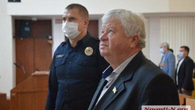 Photo of «На одном посту дали взятку, на втором, на третьем», — депутат обвинил Николаевских патрульных во взяточничестве (видео)