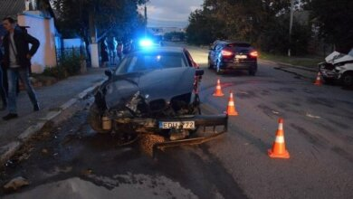 В Николаеве лоб в лоб столкнулись «БМВ» и «Жигули» - пострадали водитель и 9-летний ребенок | Корабелов.ИНФО image 2