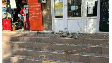 Куски по 20 кг: в Николаеве обвалился незаконно построенный балкон   Корабелов.ИНФО