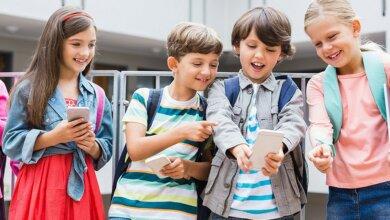 В Украине хотят запретить школьникам и учителям пользоваться телефонами | Корабелов.ИНФО