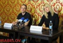 Photo of «Это некрасиво», — Домбровская обвинила Сенкевича в «черном пиаре» во время выборной гонки (видео)