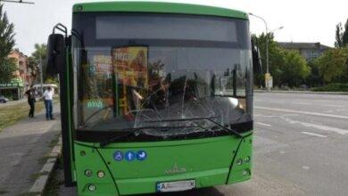 Ехавший из Корабельного района «зеленый» автобус врезался в маршрутку | Корабелов.ИНФО