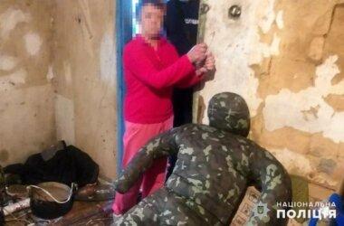 Пьяная пенсионерка до смерти избила 35-летнего сына в Витовском районе (Видео) | Корабелов.ИНФО
