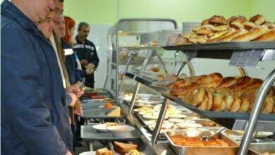Photo of Работники НГЗ пожаловались на цены и качество питания в заводских столовых