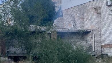 Photo of «Излюбленное место бомжей и детей»: в Корабельном районе снова горел недострой (видео)