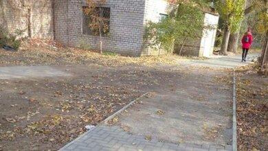 Photo of В Корабельном районе после работ коммунальных служб исчезла часть нового плиточного тротуара