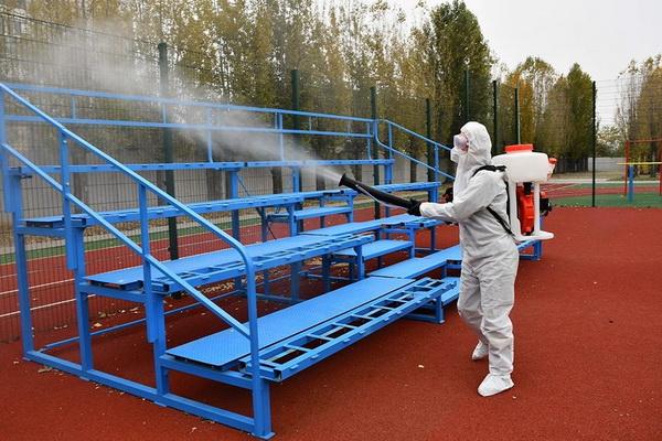 дезинфекция спортплощадки в Николаевской школе №48