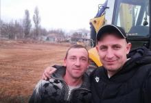 Photo of Жители Корабельного района собственными усилиями выровняли площадку под стадион