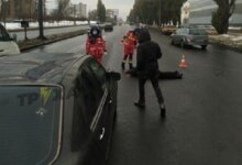 Photo of В Харькове Mercedes на переходе сбил мужчину — пешеходу оторвало голову