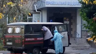 Photo of Позитивный момент: медики Корабельного района, переболевшие COVID-19, получили страховые выплаты