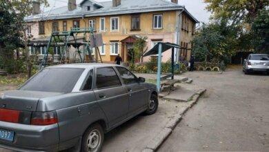 Photo of В Николаеве ранена несовершеннолетняя мать — говорит, что сама упала на нож
