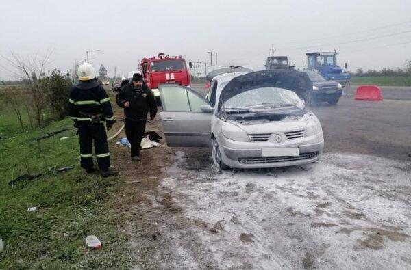 На трассе в Витовском районе на ходу загорелся Renault Megane | Корабелов.ИНФО