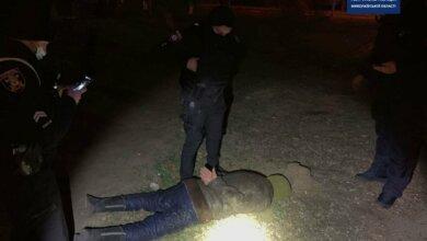 Патрульные Андрей и Дарья в Николаеве задержали вооруженного разбойника | Корабелов.ИНФО