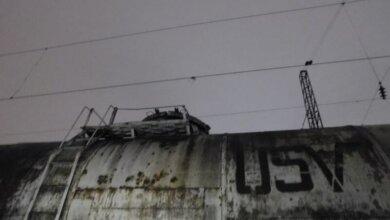 Во Львове девочка погибла во время селфи на железной дороге   Корабелов.ИНФО