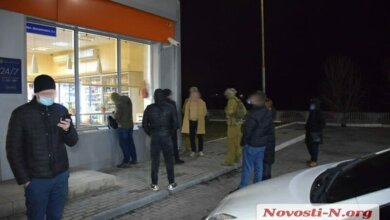 На заправке в Николаеве задержана группа лиц, подозреваемых в вымогательстве   Корабелов.ИНФО image 2