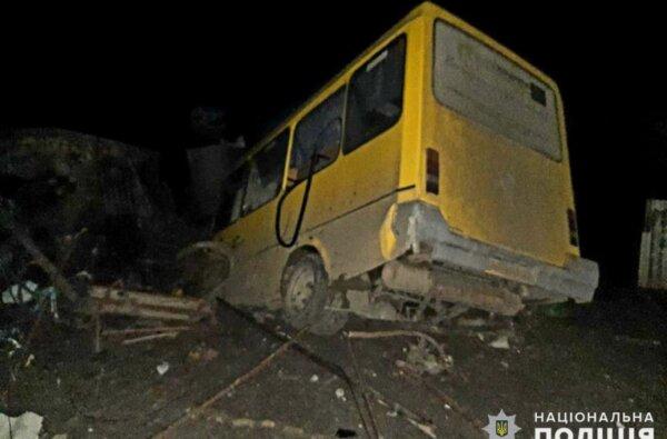 На Николаевщине «маршрутка» с 15 пассажирами вылетела с дороги — двое пострадавших | Корабелов.ИНФО