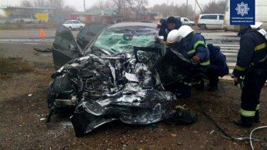 Photo of На трассе «Николаев-Одесса» лоб в лоб столкнулись фура и «Мерседес»: погибли два человека
