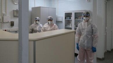медработники инфекционного отделения Николаевской горбольницы №5