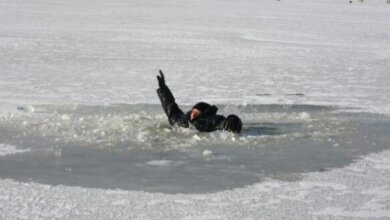 Утонули двое рыбаков на Черкащине: они успели вытолкать 14-летнюю девочку из воды на лед | Корабелов.ИНФО