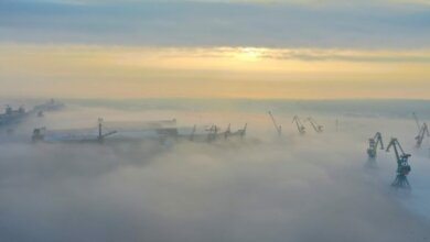 Зимний рассвет над портом в Корабельном районе (видео с высоты птичьего полета)   Корабелов.ИНФО image 1