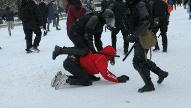 Масштабные акции протеста в России: силовики избивают мирных митингующих. Видео 18+ | Корабелов.ИНФО image 1