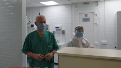 слева - реаниматолог Владимир Мисюра (Николаевская горбольница №5)