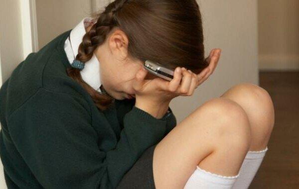 На Херсонщине школьники травили 13-летнюю одноклассницу, рассылая ее интимные фото   Корабелов.ИНФО