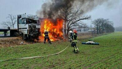 В Витовском районе после лобового столкновения двух фур загорелась одна из них | Корабелов.ИНФО image 2