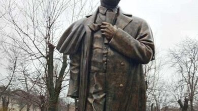 Вандалы на Николаевщине повредили памятник Тарасу Шевченко | Корабелов.ИНФО