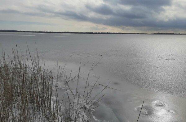 Возле Коблево водитель грузовика спас троих детей, которые провалились под лед   Корабелов.ИНФО
