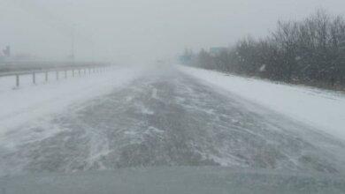 «Трасса - лед. Техники нет», - водители сообщают о гололеде на дорогах Николаевщины | Корабелов.ИНФО