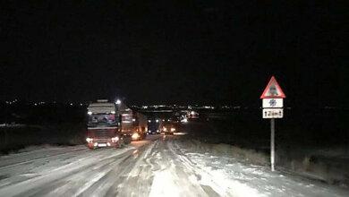 На Николаевщине на дорогах - гололедица, водители предупреждают о плохой видимости из-за снега | Корабелов.ИНФО
