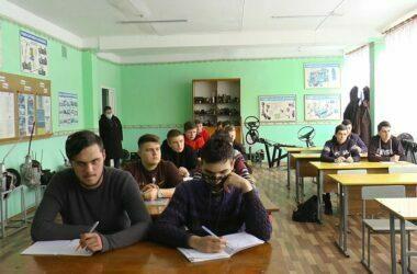 Реорганизация училищ в Корабельном районе: кто-то доволен, а кто-то судится. Видео | Корабелов.ИНФО