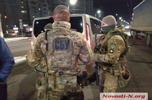 В Николаеве СБУ и полиция задержали трех человек из «банды Апти», подозреваемых в вымогательстве | Корабелов.ИНФО image 1