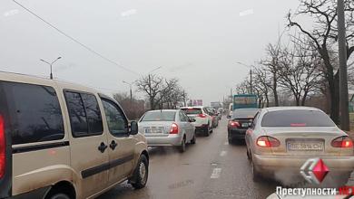 Мелкое ДТП на Широкобальском мосту привело к 4-километровой пробке на проспекте Богоявленском | Корабелов.ИНФО image 1