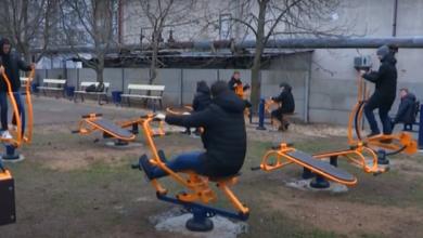 В школе Корабельного района на грант НГЗ установили спортивные тренажеры (Видео) | Корабелов.ИНФО