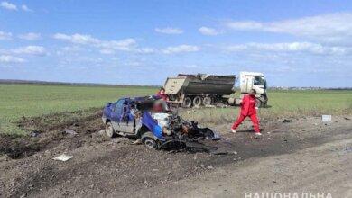 В Николаевской области после столкновения грузовика и такси погибли трое человек | Корабелов.ИНФО