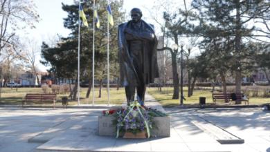 Николаевцы отметили 207-ю годовщину со дня рождения Тараса Шевченко | Корабелов.ИНФО image 1